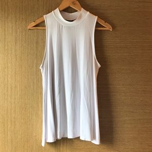 🌷🌸3/$10🌷🌸 White Mock Neck Tank